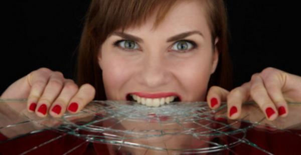 Зубы разрушаются стрессами