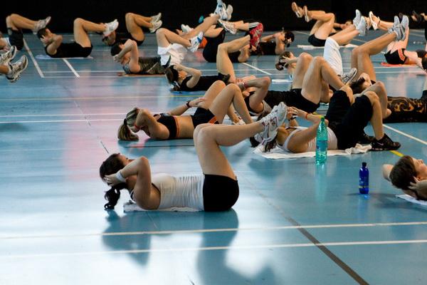Чрезмерное увлечение фитнесом вредно для здоровья.