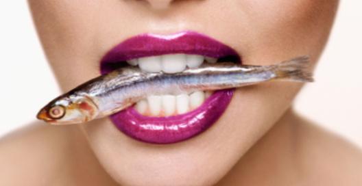 Неприятный запах изо рта может быть признаком серьезной проблемы